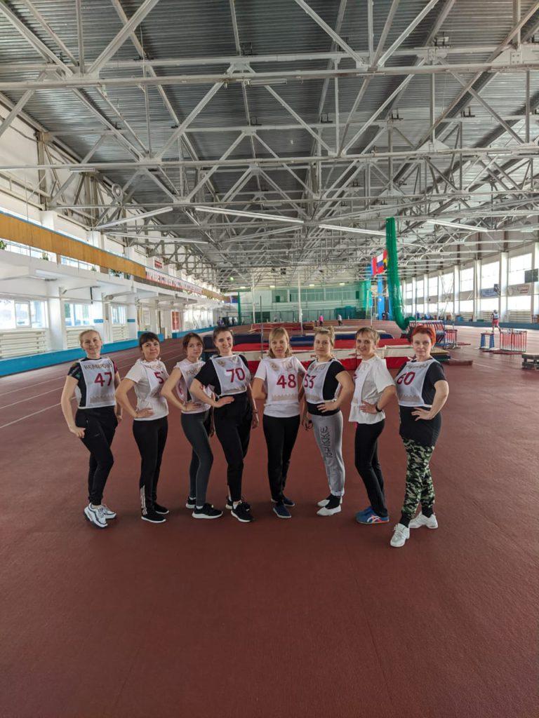 Воспитатели из детского сада № 32 выполнили нормативы комплекса ГТО!